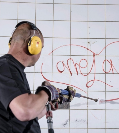 Gevelreiniging en graffitiverwijdering